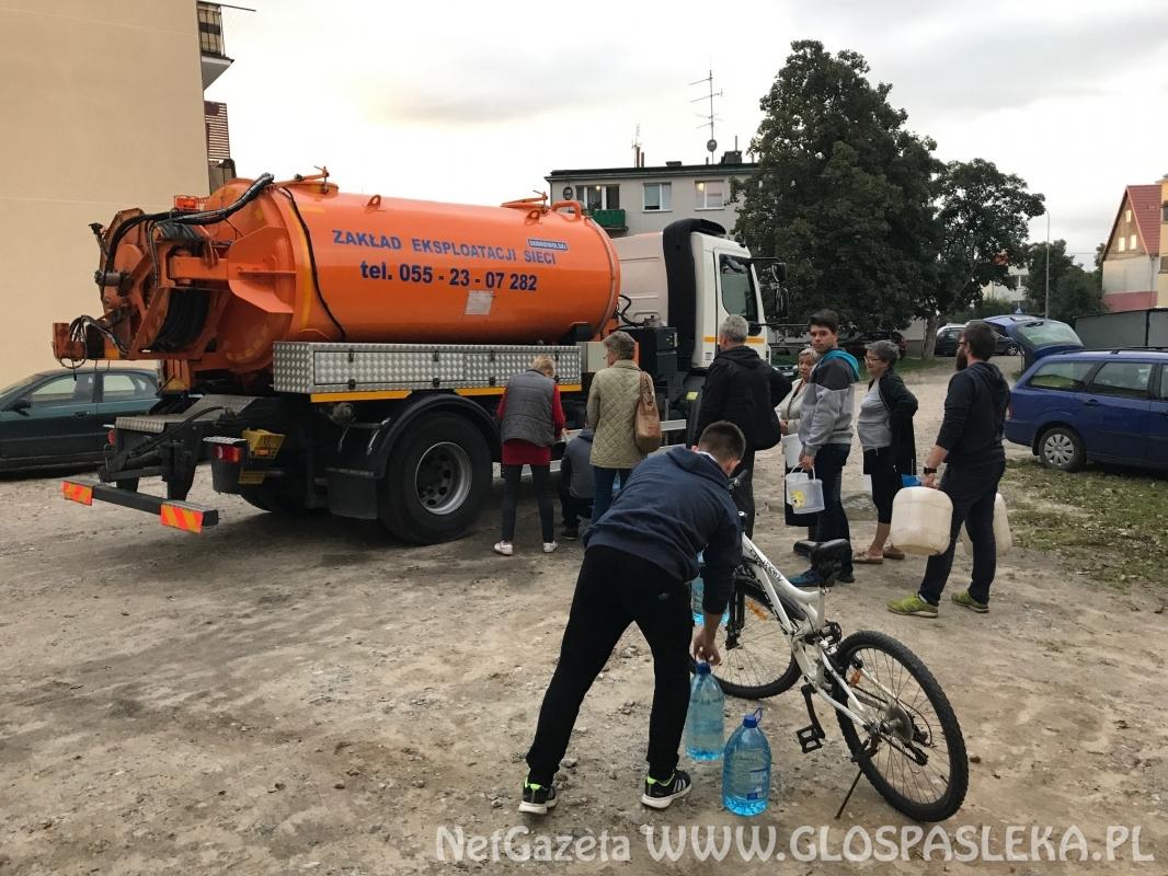 Miasto dostarcza pitną wodę