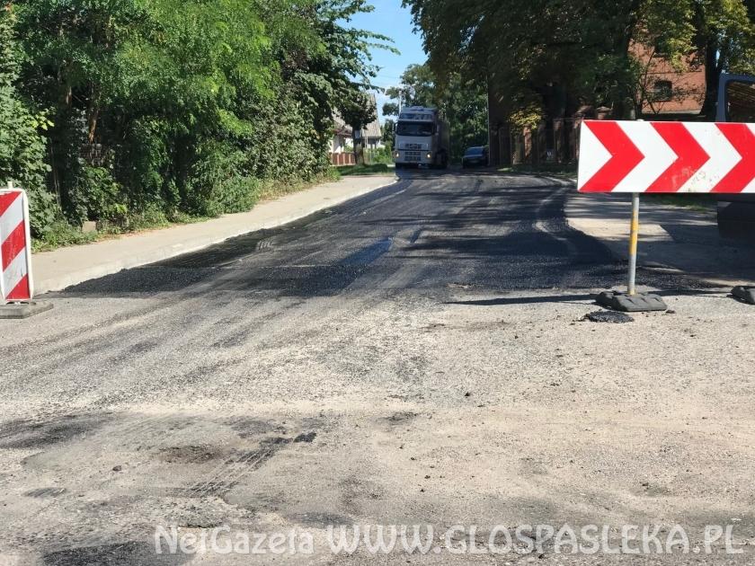 Nowy asfalt w Rzecznej