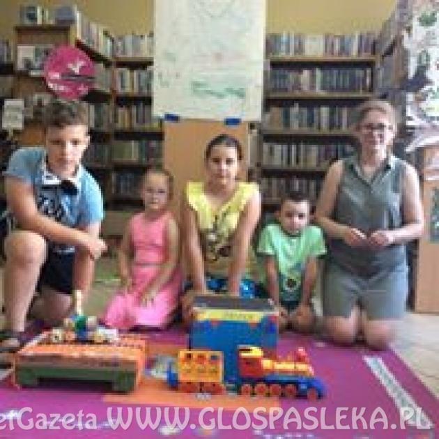 """Relacje z zajęć w Bibliotece Publicznej w Godkowie - """" W naszej gromadzie """""""