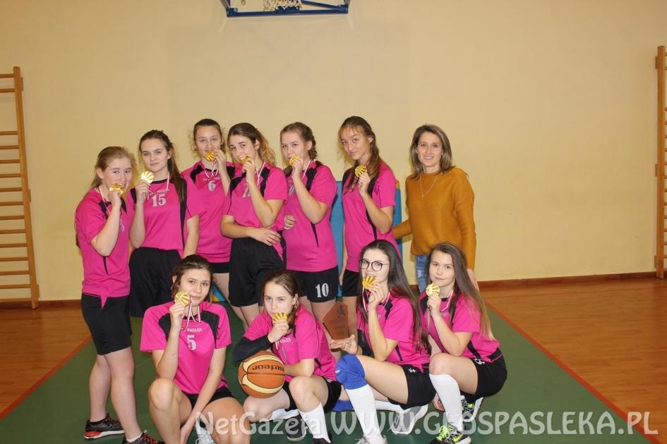 Dziewczęta z SP 3 Mistrzami Powiatu