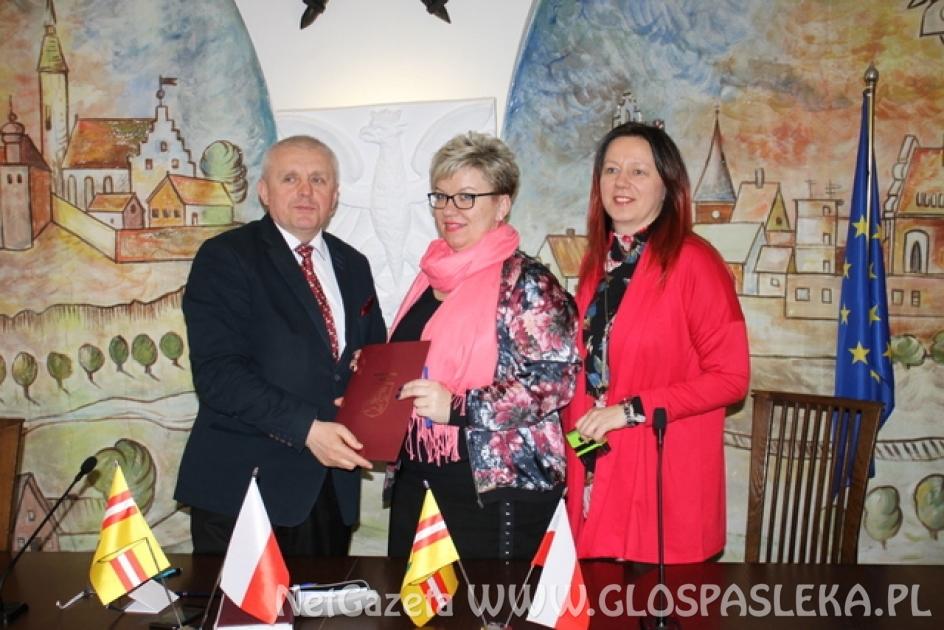 Podpisanie umów z organizacjami pozarządowymi - 2019
