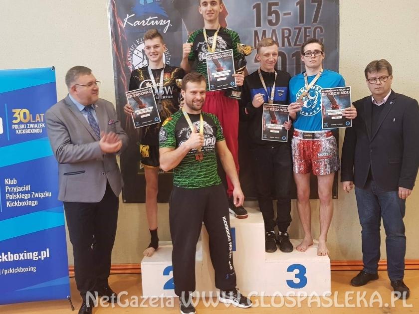 Mistrzostwa Polski juniorów i seniorów w kick light rules.