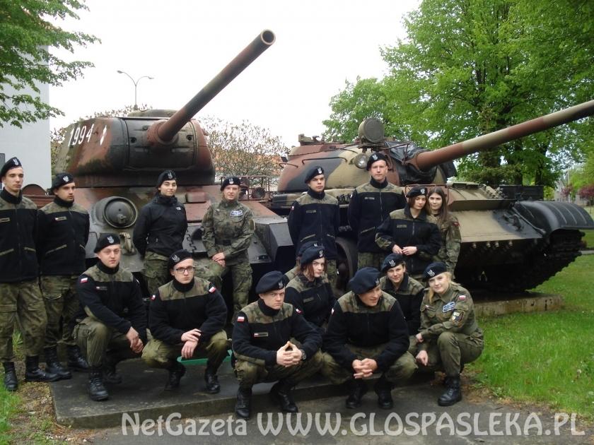 II mundurowa z ZSEiT na obozie szkoleniowym