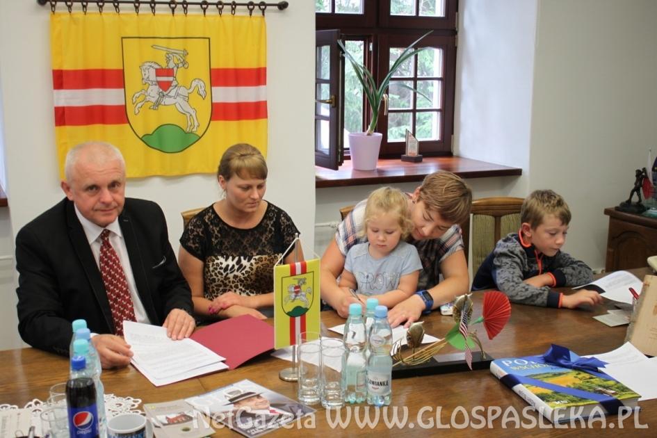 Podpisanie umów na realizację zadań publicznych