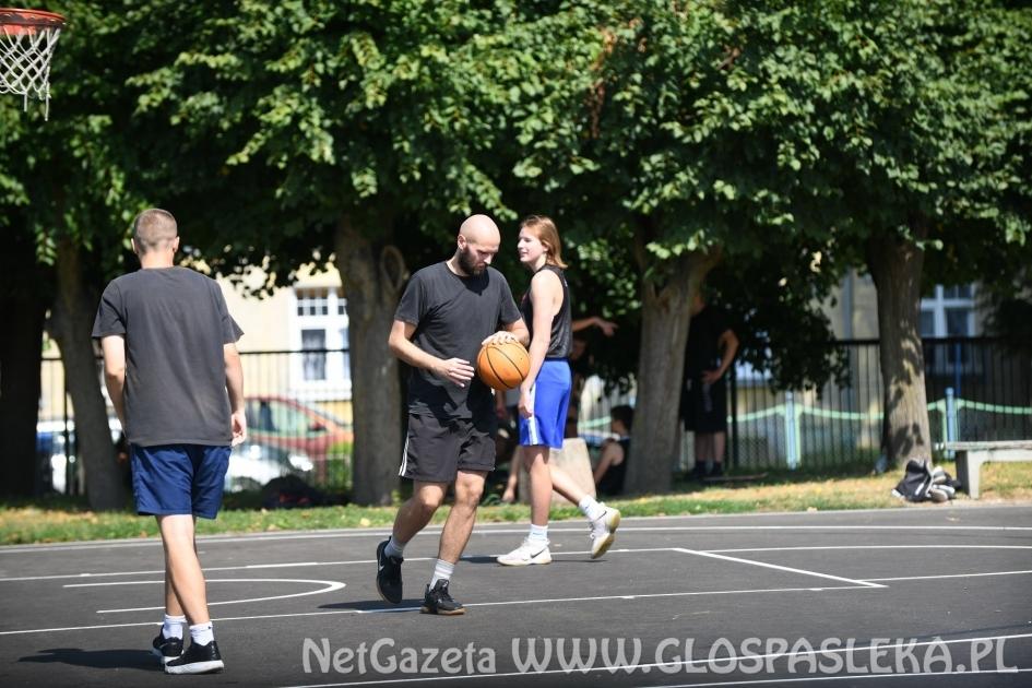 Basket Team wygrywa