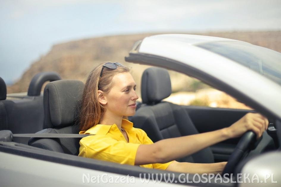 Młody kierowca i ubezpieczenie samochodu. Gdzie najtaniej?