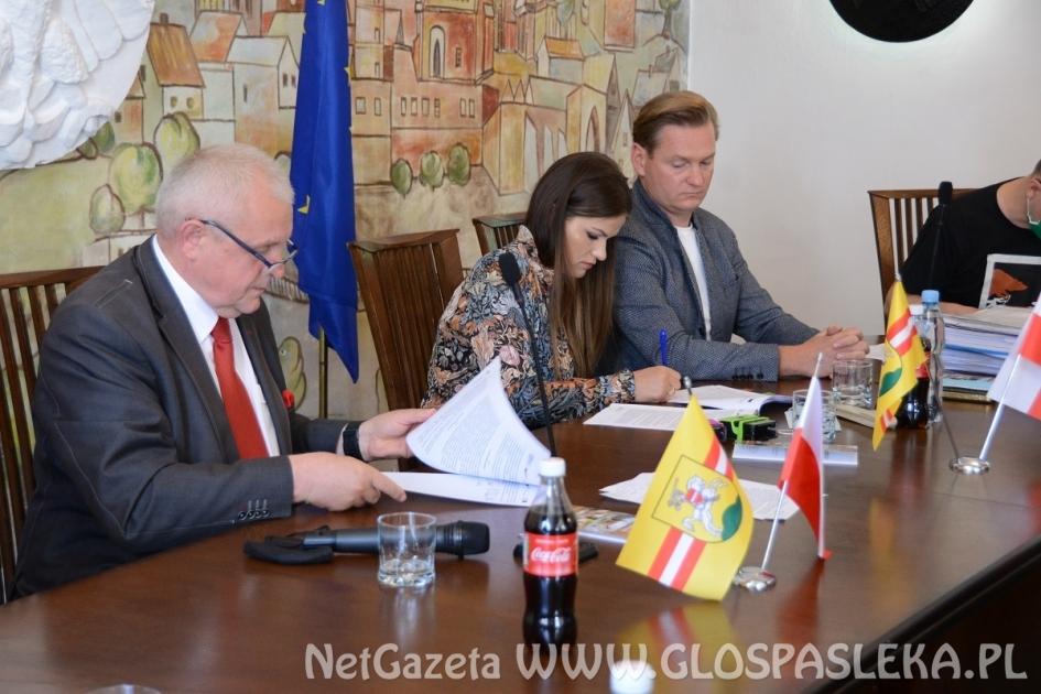 Umowa na remont murów podpisana