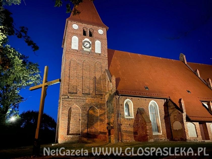 Iluminacja kościołów w Mariance i Zielonce Pasłęckiej