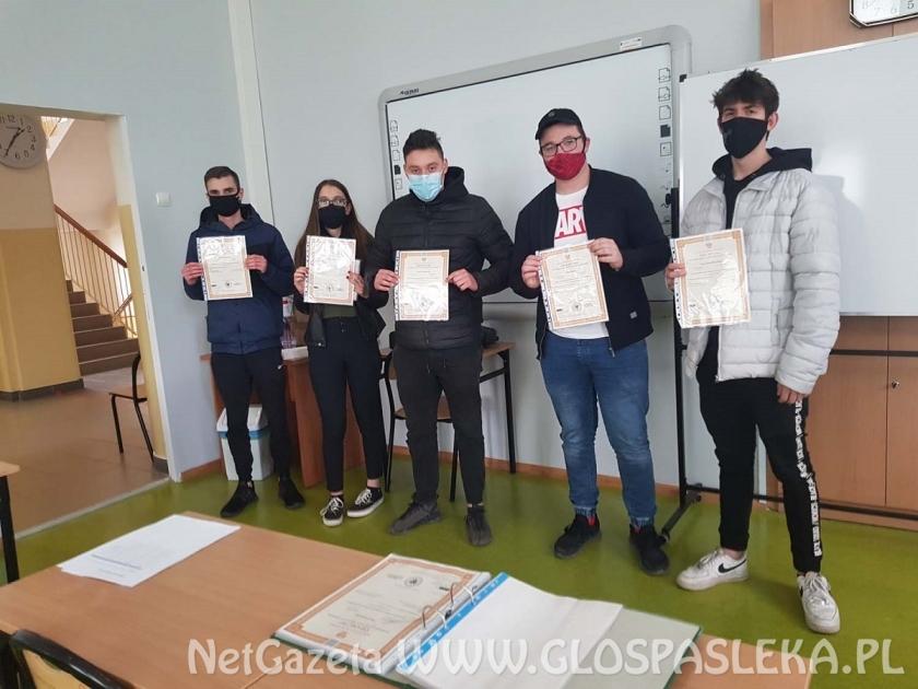Sukces uczniów klas IV Technikum z Zespołu Szkół w Pasłęku
