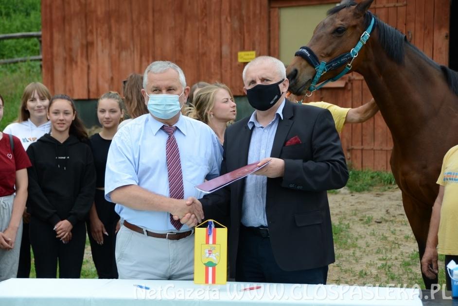Umowa na dofinansowanie zakupu namiotu jeździeckiego